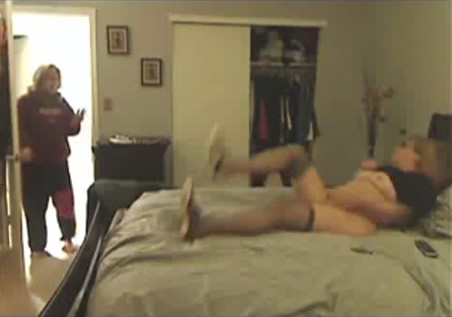Mom walks in on husband fucking daughter black